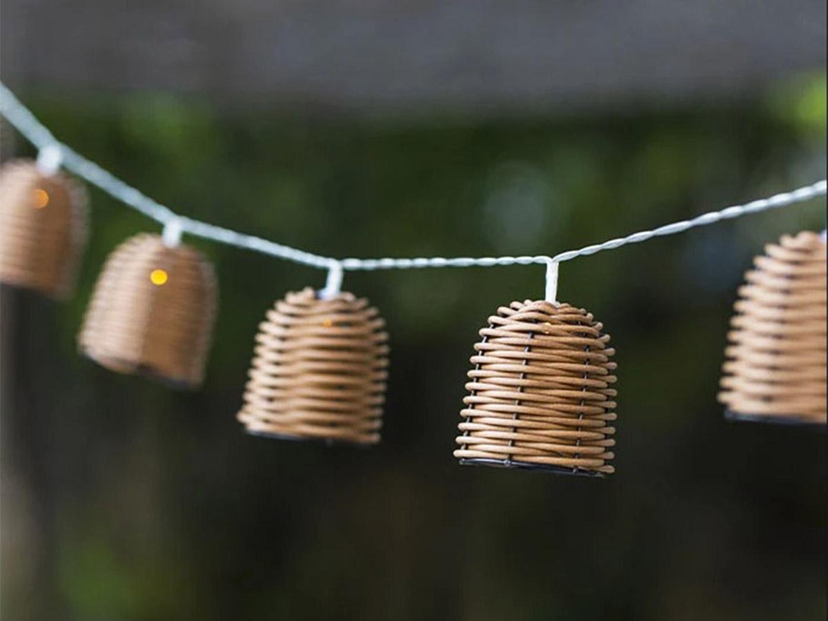 Guirlande lumineuse solaire 10 abat-jour poly rotin LED blanc chaud FORMENTERA